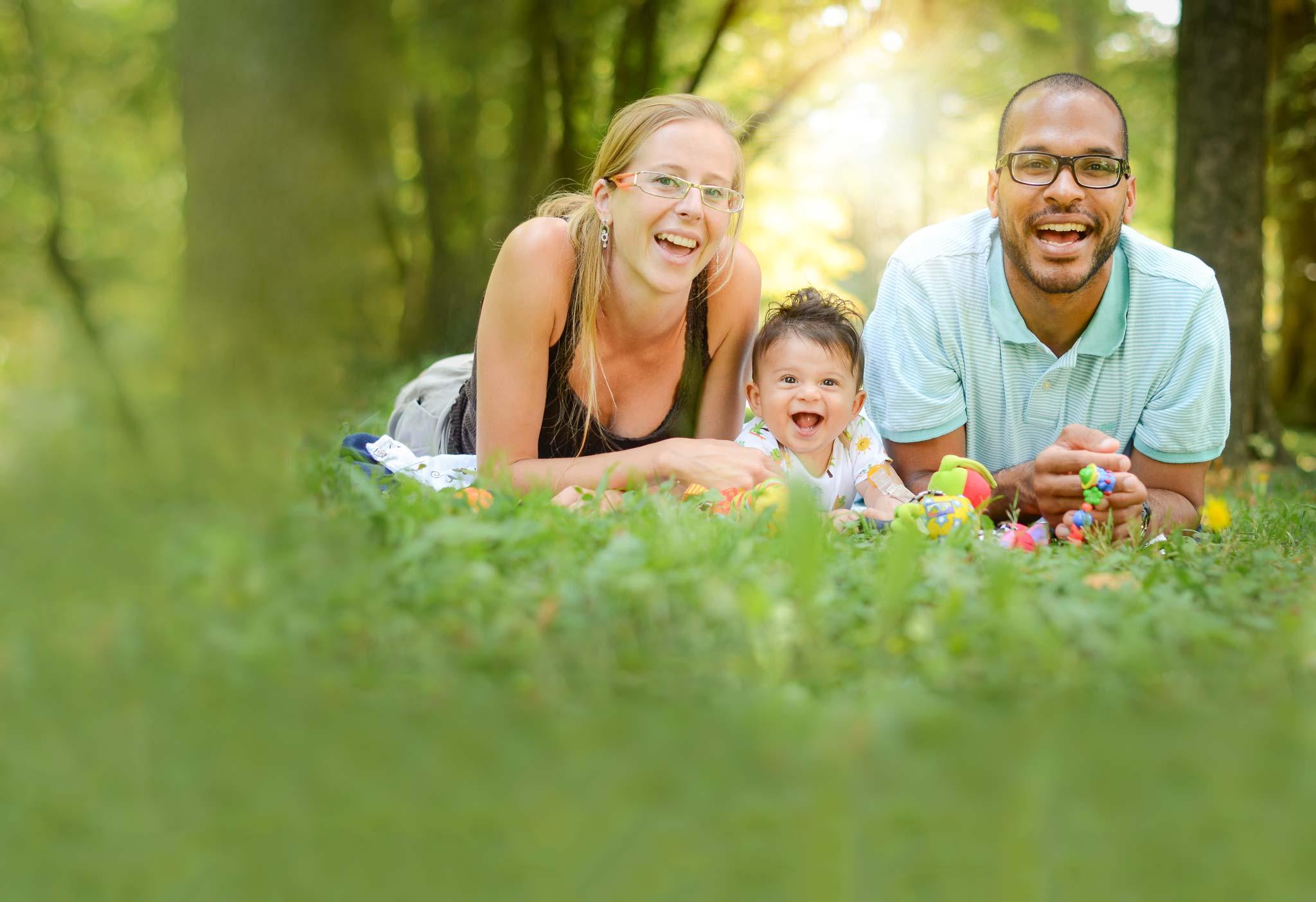 happy-family-forest-desktop